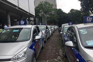 Đại gia taxi Hà Nội hùn xe 'đấu' taxi công nghệ