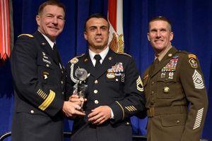 Lục quân Mỹ ra mắt mẫu quân phục kỷ niệm ngày Cựu chiến binh