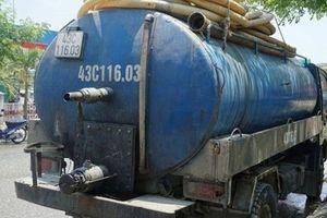 Đổ trộm nhớt thải xuống cống nước, bị phạt gần 400 triệu đồng