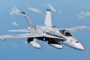 'Siêu ong bắp cày' F/A-18 của Mỹ rơi xuống biển ở Philippines