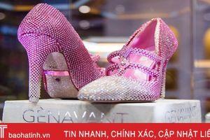 Đôi giày đính 10.000 viên kim cương trị giá 101,3 tỷ đồng