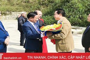 Đón đoàn đại biểu Bôlykhămxay sang Hà Tĩnh dự hội nghị thường niên