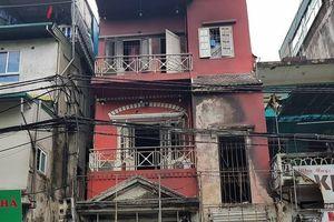 Hà Nội: Nhà 4 tầng cháy nổ kinh hoàng, 2 người nhập viện vì bỏng nặng