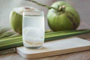 Khi nào bà bầu không nên uống nước dừa?