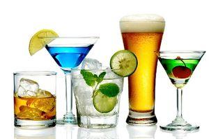 Clip: Quy định cấm kinh doanh rượu, bia trên internet liệu có khả thi?