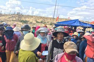 Bình Định: Người dân lại chặn xe phản đối dự án điện mặt trời
