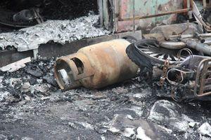Hiện trường vụ cháy nổ khiến 2 người bị bỏng tại quận Đống Đa