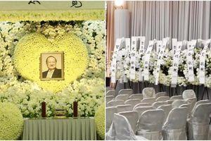 Tang lễ trải đầy hoa trắng vĩnh biệt cố nhà văn Kim Dung trong sự thương tiếc của mọi người
