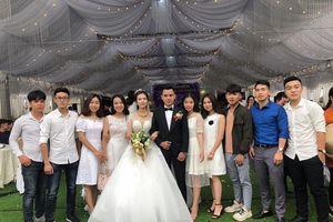 Lộ diện nhan sắc cô dâu chú rể trong đám cưới khủng, chi hẳn 1 tỷ để dựng rạp ở Vĩnh Phúc