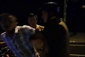 Người bị cáo buộc 'thúc cùi chỏ' làm CSGT ngã 'chổng vó' lên tiếng minh oan