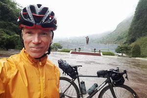 Tổng giám đốc Ringier Việt Nam chiến thắng Tích 'km' nhận quà tuần 9