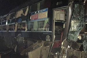 Xe khách lao vào nhà dân trong đêm, phụ xe tử vong tại chỗ
