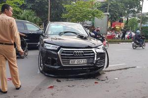 Hà Nội: Audi Q5 mất lái tông liên hoàn ô tô, xe máy trên đường Nguyễn Khánh Toàn