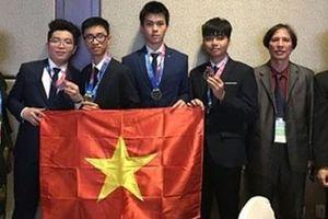 Việt Nam lần đầu giành HCV Olympic Vật lý thiên văn quốc tế