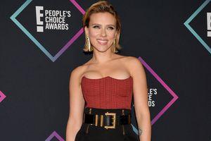 Scarlett Johansson khoe vòng 1 bốc lửa với áo quây trên thảm đỏ