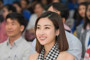 Đỗ Mỹ Linh kể chuyện một mình 'chiến đấu' với hai cuộc thi Hoa hậu