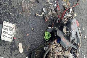 Container đè trúng 2 người đi xe máy: Xác định danh tính nạn nhân