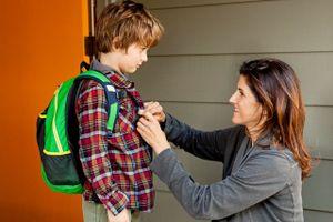 Lời động viên bà mẹ trên bút chì của con trai khiến trái tim cô giáo 'tan chảy'