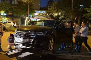 Tài xế Audi Q5 bỏ đi sau khi gây tai nạn giao thông