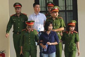 Xét xử vụ đánh bạc tại Phú Thọ: Dành hơn 1 ngày chỉ để công bố cáo trạng