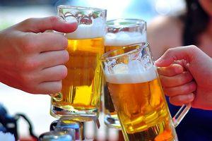 Ủng hộ tuýt còi với rượu bia quá lố