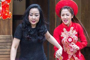 'Gạo nếp gạo tẻ': Chê con rể nghèo, bà Linh phá đám cưới của Trinh