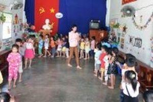 Một thôn có gần 500 trẻ dưới năm tuổi không được học mẫu giáo