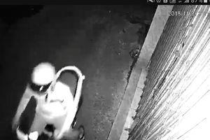 Truy tìm nam thanh niên tạt nhớt vào nhà dân lúc nửa đêm để 'khủng bố'