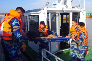 Vượt sóng cứu người