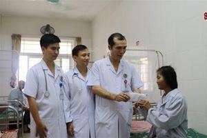 Bệnh nhân bệnh nặng, nguy cơ tử vong, bác sĩ xin tài trợ lắp máy tạo nhịp tim vĩnh viễn
