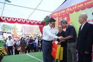 Phó Thủ tướng Vũ Đức Đam dự ngày hội Đại đoàn kết toàn dân tộc tại Phú Thọ