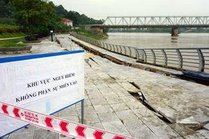 Kè đê hữu sông Mã đang sạt lở nghiêm trọng