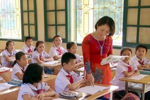 3 truyện ngắn ý nghĩa về thầy cô cho báo tường ngày 20/11