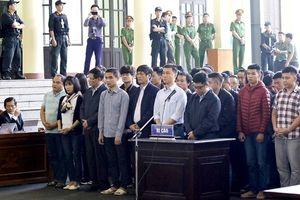 Tranh cãi về việc cựu tướng Phan Văn Vĩnh từ chối công bố bản án trên mạng
