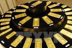 Giá vàng thế giới ngày 12/11 trượt xuống mức thấp nhất trong một tháng