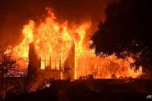 Thảm họa cháy rừng ở California: 42 người thiệt mạng, 250 nghìn người sơ tán
