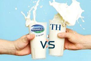 Mở thầu sữa học đường tại Hà Nội: Vinamilk đấu TH True Milk thế nào?
