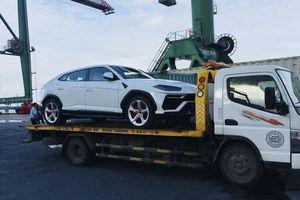 Siêu SUV Lamborghini Urus có mặt tại Việt Nam, không những vậy còn là 1 đôi