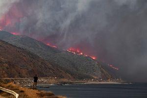 Chùm ảnh: Thảm họa cháy rừng thảm khốc nhất trong lịch sử nước Mỹ