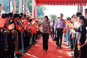 Phó Chủ tịch nước Đặng Thị Ngọc Thịnh dự Ngày hội Đại đoàn kết toàn dân tộc tại Bình Dương