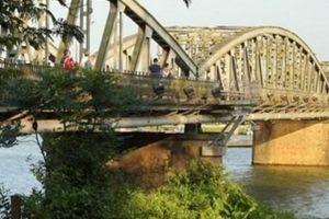 Phát hiện thi thể người đàn ông bên bờ sông Hương