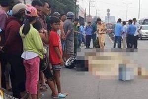 Va chạm với xe máy, một phụ nữ bị xe buýt cán tử vong