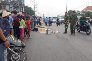 Sau va chạm với xe máy, một phụ nữ bị xe buýt cán chết ở TP.HCM