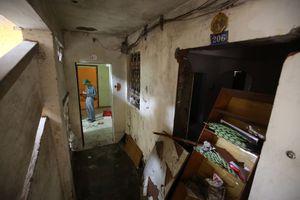 Cận cảnh chung cư bỏ hoang khiến nhiều người 'lạnh gáy' ở Hà Nội