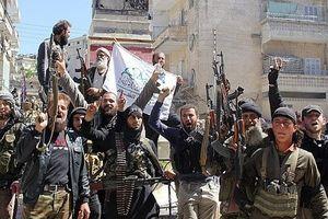 Rơi vào tình trạng khó khăn, HTS vội điều quân đến đông Idlib