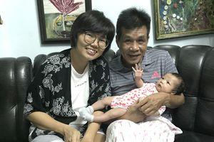 Nhà thơ Lê Minh Quốc: Làm bố tuổi 59