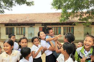 Nữ sinh Nhật bỏ 6.000 USD tiết kiệm xây thư viện ở Campuchia
