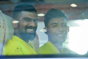 Xe buýt chở đội Malaysia bỏ quên người ở sân bay Nội Bài
