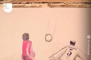 Những khoảnh khắc kinh điển của bóng đá qua sách lật