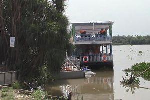 Thi thể người đàn ông có hình xăm trôi trên sông Sài Gòn